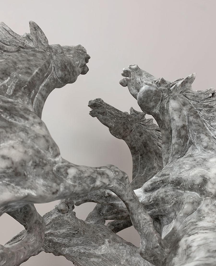 cavalli in alabastro